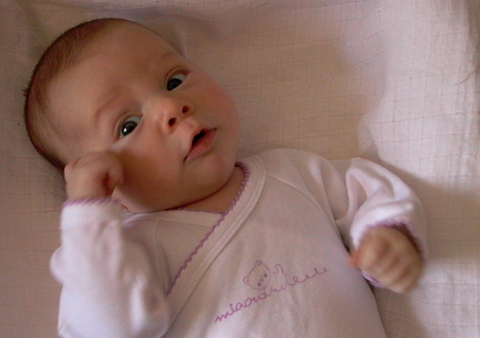Babystrampler: Günstig und lustig