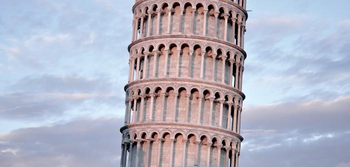 Egal ob Nordseestrand oder Pisa: für den Urlaub mit Baby und Kindern will die Autofahrt gut geplant sein.