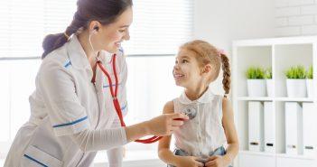 Bei einer Magen-Darm-Grippe ist es sinnvoll, wenn man bereits bei den ersten Symptomen den Arzt aufsucht und sich Gewissheit verschafft. (#1)