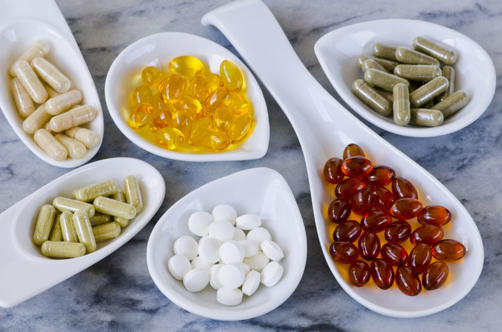 Omega-3 Fettsäuren kann man auch gut in Form von Pillen zu sich nehmen