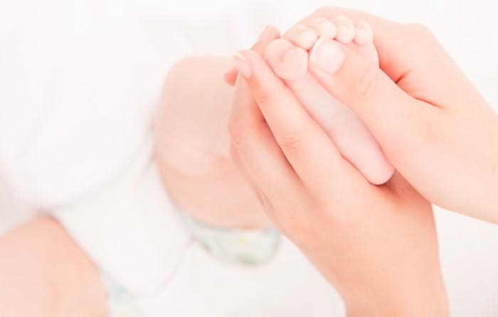 Babymassage die Füße #3