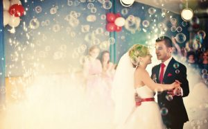 Bräuche wie der Schleiertanz leben in vielen Hochzeiten wieder auf. (#2)