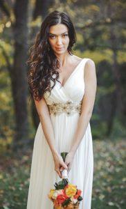 Wer sich sein Brautkleid maßschneidern lässt, tut gut daran, sich zunächst einen Kostenvoranschlag einzuholen. (#3)