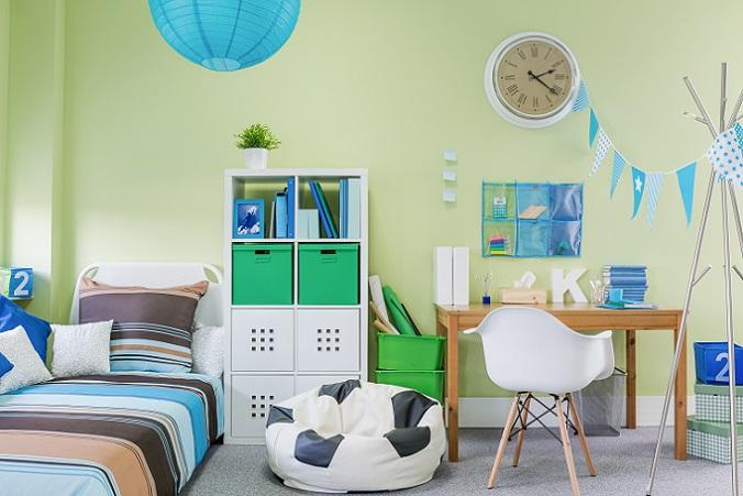 Grün: Grün ist eine hervorragende Farbe für das Kinderzimmer und wirkt beruhigend bis ausgleichend. Ist der Ton allerdings zu dunkel, verkleinert er optisch den Raum. (#05)
