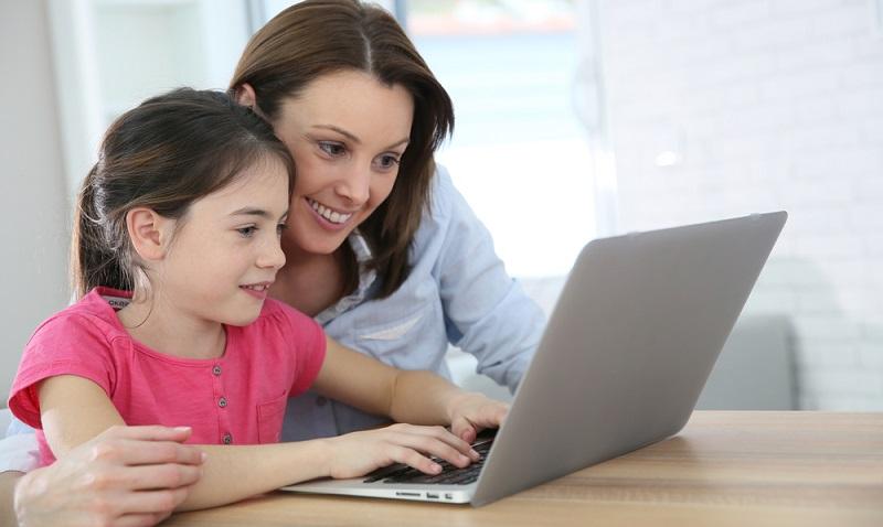Bis Kinder mit Geld umgehen können, dauert es sicherlich einige Jahre. Widmen sich Eltern dieser Aufgabe jedoch mit Offenheit und auf kindgerechte Art und Weise, ebnen sie den Weg hin zu einem angstfreien und dennoch bewussten Umgang mit Finanzen. (#02)