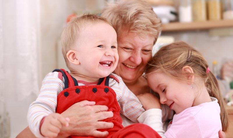 Besonders das Mutter-Kind-Verhältnis ist etwas ganz Besonderes. Auch wenn es noch so schwerfällt, dass sich der Nachwuchs ohne zu Zögern für einen Übernachtungsbesuch bei Freunden oder der Oma verabschiedet oder wenn die Kinder ohne zu murren in die Kita oder Schule gehen - lassen Sie sich nicht verängstigen und vertrauen Sie vielmehr darauf, dass Ihr Nachwuchs es gut machen wird.