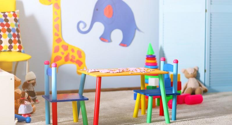 Spätestens im Kindergarten empfangen Sohn und Tochter ihre ersten Freunde. Hier wird auch im Kinderzimmer zusammen gespielt und entdeckt. (#02)