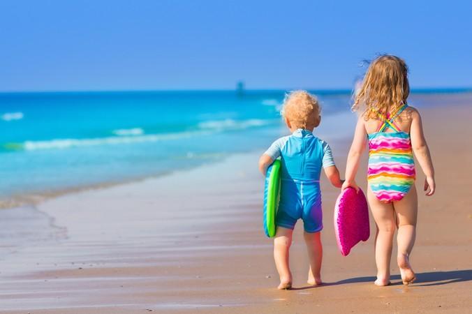 Surfen in Biscarosse ist ein Erlebnis für Groß und Klein, auch die ganz kleinen erleben am Meer eine ganz tolle und beeindruckende Zeit. (#2)