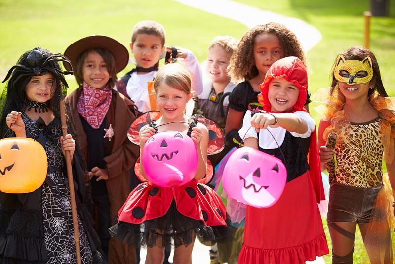 Den 31. Oktober müssen sich Eltern nicht nur in den USA, sondern auch hierzulande seit einigen Jah-ren dick im Terminkalender anstreichen.(#04)