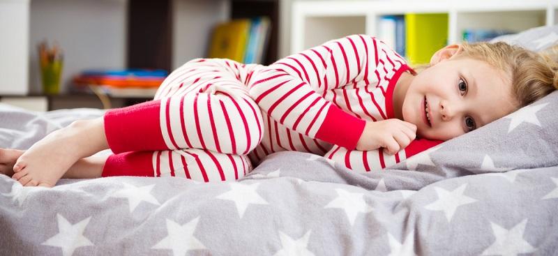 Ab dem vierten oder fünften Lebensjahr sind Kombinationslösungen eine gute Entscheidung. Die Naturmatratzen passen sich an das höhere Gewicht und die veränderte Anatomie der Kinder an. (#06)
