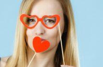 Karnevalsbrillen basteln: In wenigen Schritten zur Faschingsbrille