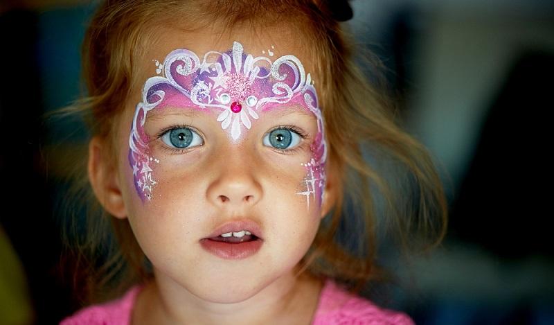 Karneval schminken: Zur Faschingszeit muss sie einfach mit, die Blütenfee! (#04)Fee