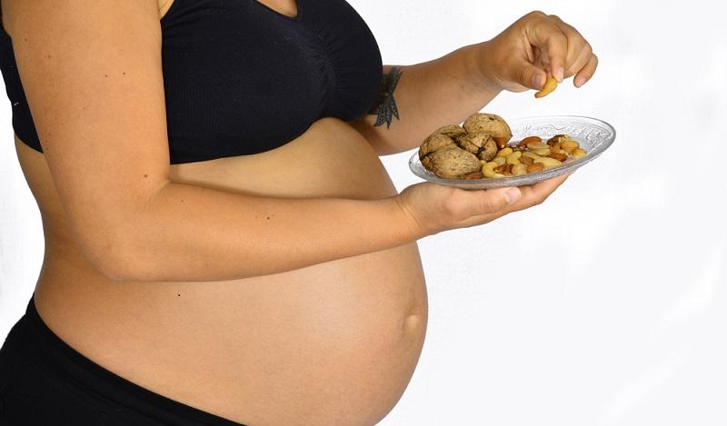 Heißhunger aus Süßes: Die Gesellschaft für Ernährung empfiehlt, dass ungefähr 30 Prozent der Nahrung aus Ballaststoffen bestehen sollte. (#03)