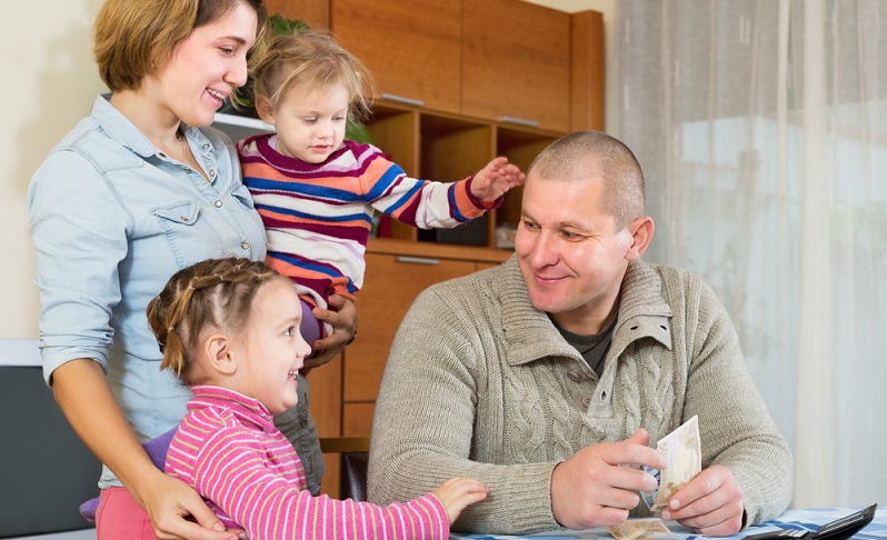 Das Familienleben wird schon bald ein ganz anderes sein. Gut, wenn Sie sich dann wenigstens in der ersten Zeit nicht um die Finanzen sorgen müssen! (#01)