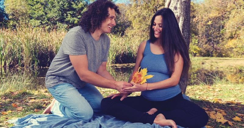 Die meisten Spätschwangerschaften nach dem 45. Geburtstag wurden durch eine Eizellenspende ermöglicht, die allerdings in Deutschland verboten ist.