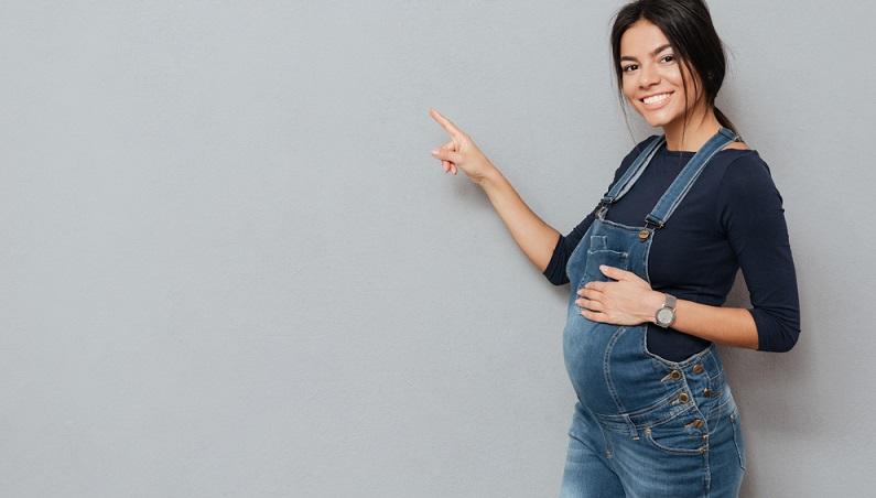 Eine Umstandsjeans oder ein Umstandskleid ist beispielsweise auch nach der Schwangerschaft, wenn sich der Körper langsam zurückbildet, sehr angenehm zu tragen.