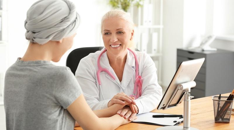 Brustkrebs ist die Krebsart, die besonders häufig bei Frauen auftritt. Der Verlauf der Erkrankung hängt von der Schwere und der Form ab. Patientinnen sind besonders interessiert daran zu erfahren, wie die Heilungschancen stehen.