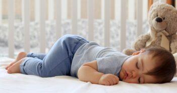 Ab wann schlafen Babys durch: Ratgeber für werdende Eltern