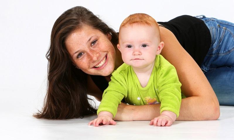 Grundsätzlich ist es in jeder Stadt oder jedem Ort möglich, Babysitter zu werden.  (Foto: Shutterstock-Yzoa )