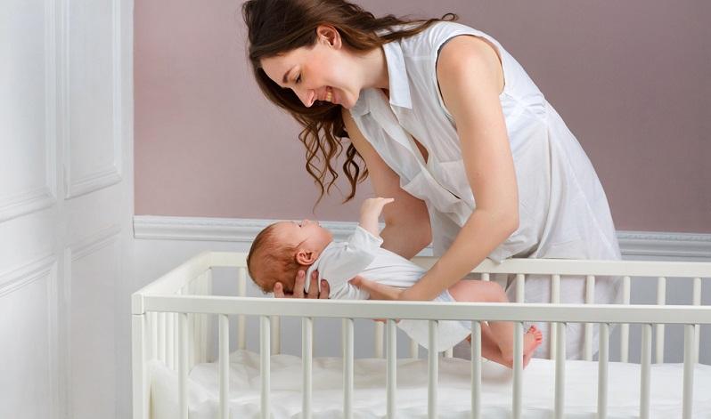 Das Kinderbett soll mehrere Jahre im Kinderzimmer stehen und zur übrigen Einrichtung passen. ( Foto: Shutterstock-DinaPhoto)