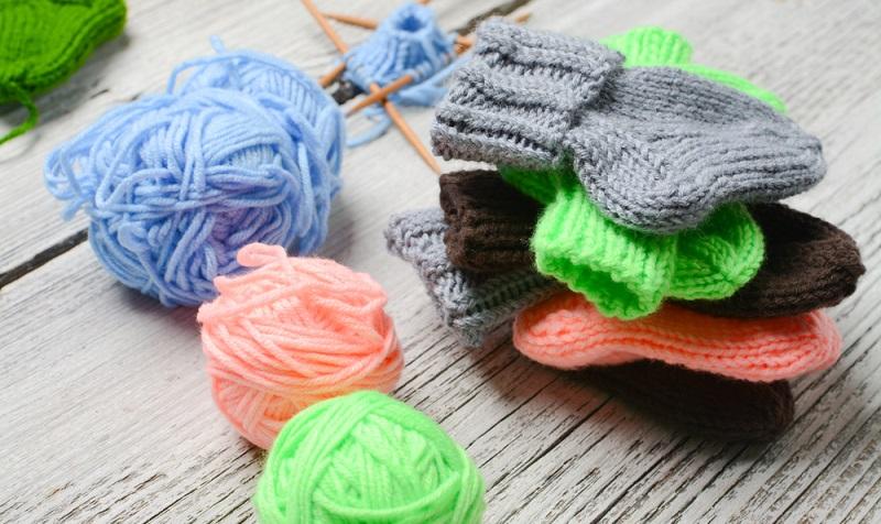 Das Basteln mit Socken bietet wunderbare Möglichkeiten, von denen die Cupcakes nur ein Beispiel sind. ( Foto: Shutterstock-Edita Paulauskiene  )